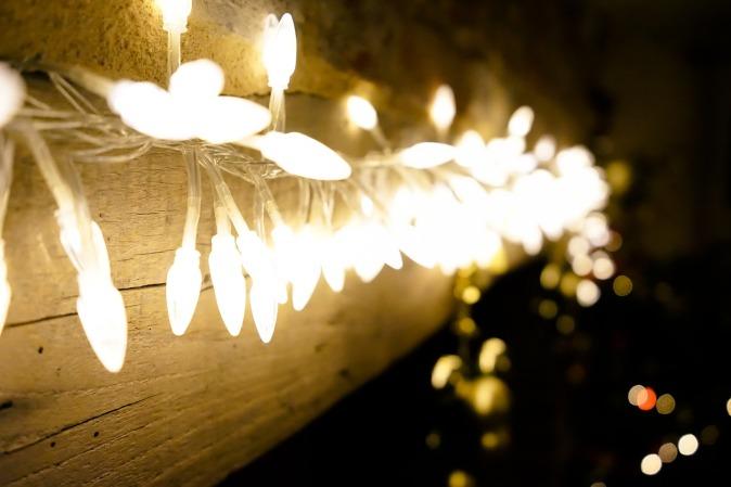 lights-1106371_1920